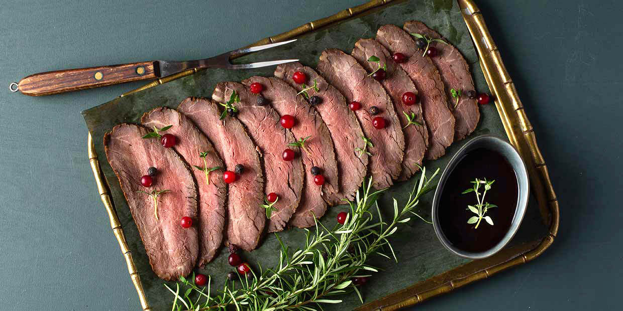 Elk roast with cranberry compote