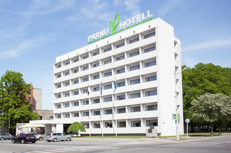 Pärnu Hotel is short distance away from the shopping centres, night clubs and the bus station.